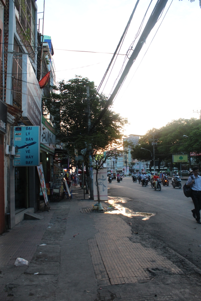 The same road besides the 3rd Field hospital, inside are the Soul alley