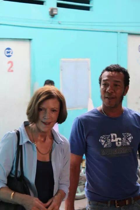 Sue Roberts meeting amerasian Anh
